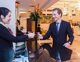 Nhân viên khách sạn 5 sao nhận lương... 14 triệu đồng/tháng