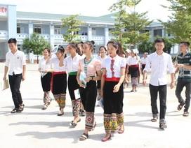 Một lớp dân tộc nội trú có 2 nữ sinh đạt 9,5 điểm Ngữ văn
