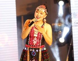 Quán quân Tài năng sinh viên khoe giọng hát đầy nội lực với hit của Bích Phương