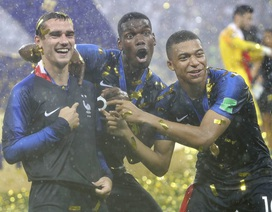 HLV Deschamps ca ngợi Griezmann và Mbappe sau trận chung kết