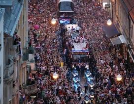 Những người hùng Croatia được chào đón như nhà vô địch