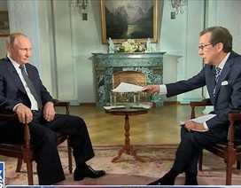 """Phản ứng khéo léo của ông Putin trước câu hỏi """"khó"""" của nhà báo Mỹ"""