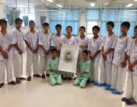Đội bóng nhí Thái Lan xuất viện sớm, trả lời truyền thông hôm nay