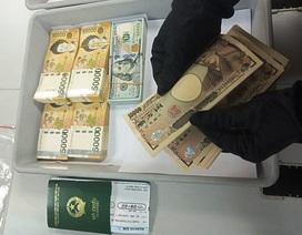 """Lượng ngoại tệ """"khủng"""" trị giá hàng tỷ đồng bị """"chặn đứng"""" tại Tân Sơn Nhất"""
