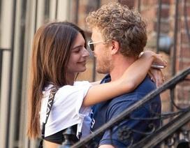 Emily Ratajkowski hạnh phúc bên chồng