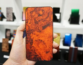 Sẽ có những chiếc smartphone lưng kính đổi màu độc đáo