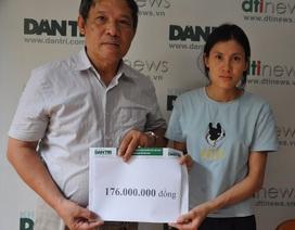 Trao 176 triệu đồng bạn đọc giúp đỡ đến bé Tâm bị u não thất