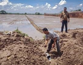 Dân lo lắng chính quyền cho khai thác đất bờ kênh làm ảnh hưởng sản xuất tại Sóc Trăng