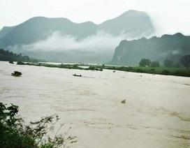 Phong Nha - Kẻ Bàng tạm ngừng đón khách vì mưa lớn