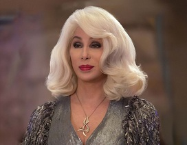 Cher vẫn trẻ đẹp ở tuổi 72