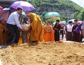 Rước cây bồ đề do Chủ tịch Quốc hội Sri Lanka tặng
