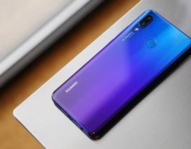 Rò rỉ hình ảnh nghi là Huawei Nova 3i, 4 camera AI, thiết kế mặt lưng chuyển màu