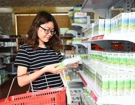 """Doanh nghiệp sữa Việt và """"cuộc chiến"""" chiếm lĩnh dư địa thị trường"""