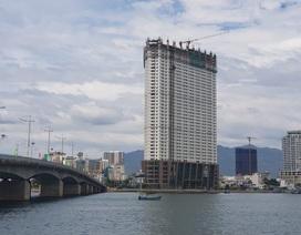 """Chủ cao ốc """"vượt rào"""" ở Nha Trang muốn """"cắt ngọn"""" 3 tầng xây vượt"""