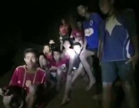 Cuộc trò chuyện đầu tiên của đội bóng Thái Lan sau 9 ngày mắc kẹt