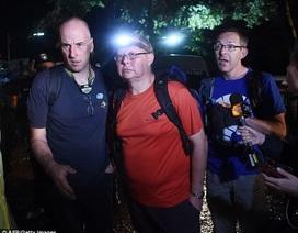 Những người hùng tìm kiếm đội bóng mắc kẹt 9 ngày trong hang tại Thái Lan