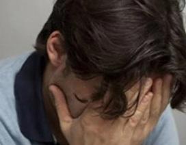 Trào nước mắt khi nghe con gái gọi tên vợ cũ trên phố