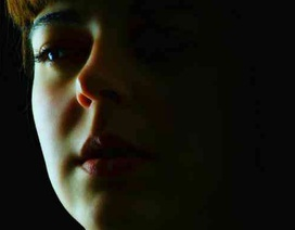 Tâm sự cô gái trẻ hối hận vì đã sinh con
