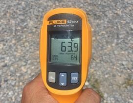 """Nắng nóng """"nung"""" mặt đường Hà Nội tới 64 độ C"""