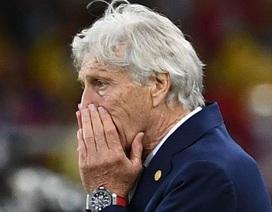 """HLV Colombia vô cùng giận dữ vì màn """"đóng kịch"""" của đội tuyển Anh"""