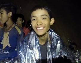 Đội bóng Thái Lan bắt đầu học lặn cấp tốc, chuẩn bị rời hang