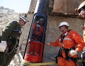 Hai bác sĩ giải cứu 33 thợ mỏ Chile nói về vụ mắc kẹt tại Thái Lan