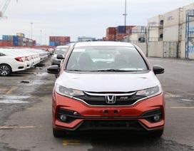 Thị trường ô tô - Vì sao thuế giảm giá không giảm?