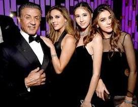 """""""Rambo"""" Sylvester Stallone ra phố cùng các con gái xinh đẹp"""