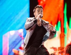 Luis Fonsi khiến khán giả Đà Nẵng cuồng nhiệt đến gần 3 giờ sáng