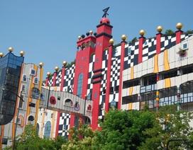 Du khách nhầm tưởng nhà xử lý rác của Nhật là... công viên giải trí