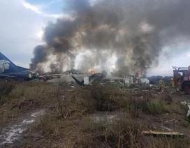 Rơi máy bay chở 101 người ở Mexico