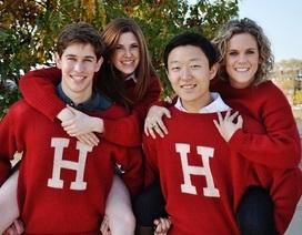 """Hé lộ 10 """"bí mật"""" về những tân cử nhân Đại học Harvard"""