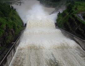 Hồ chứa lớn nhất Thanh Hóa xả lũ, sẵn sàng sơ tán hàng chục nghìn hộ dân