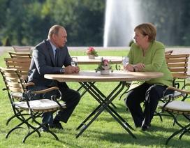 """Tổng thống Putin trao đổi hàng loạt vấn đề """"nóng"""" với Thủ tướng Đức"""