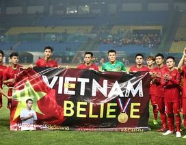 Olympic Việt Nam ăn mừng chiến thắng đầy cảm xúc, cảm ơn đồng đội Hùng Dũng