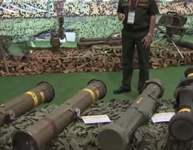 Nga trưng bày dàn vũ khí của Mỹ sản xuất bị tịch thu ở Syria