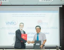 Trung tâm Vũ trụ Việt Nam ký hợp tác với Đại học KH&CN Hà Nội