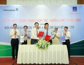 Vietcombank ký kết thỏa thuận hợp tác chiến lược toàn diện, hợp đồng tín dụng 4.000 tỷ đồng với PV GAS