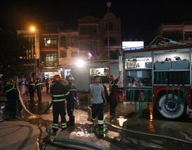 Cháy kho vật tư ở Bệnh viện Đà Nẵng, bệnh nhân hoảng hốt di chuyển
