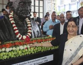 Ngoại trưởng Ấn Độ khánh thành tượng Mahatma Gandhi tại Việt Nam