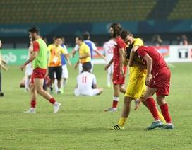 Cầu thủ Olympic Syria khóc nức nở sau trận thua Việt Nam