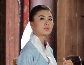 Diễn viên Nguyệt Ánh giấu bụng bầu, cải nam trang để quay phim kỳ án