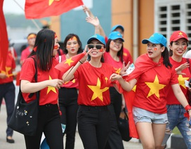 Bóng hồng Việt đổ bộ sân Pakansari tiếp lửa Olympic Việt Nam
