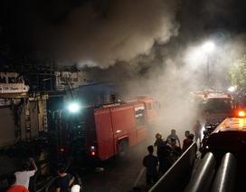 Cháy 3 ngôi nhà trên phố sầm uất bậc nhất Thanh Hóa