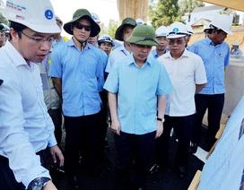 """Cao tốc Đà Nẵng - Quảng Ngãi chậm tiến độ, Bộ trưởng """"truy"""" chủ đầu tư"""