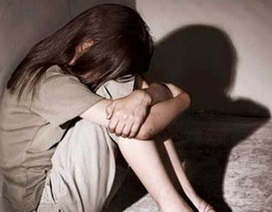 Bắt cán bộ tư pháp nhiều lần giao cấu với bé gái 14 tuổi