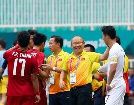 Son Heung Min nghe lén chiến thuật của Việt Nam, bị thầy Park phát hiện