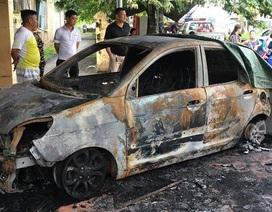 Ô tô của Đại úy CSGT bị tẩm xăng đốt cháy rụi ngay trước trụ sở công an