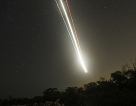 Thiên thạch nổ cực mạnh phía trên căn cứ không quân Mỹ