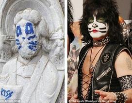 Thủ phạm vẽ lên bức tượng niên đại từ thế kỷ 12 sẽ bị phạt 4 tỷ đồng